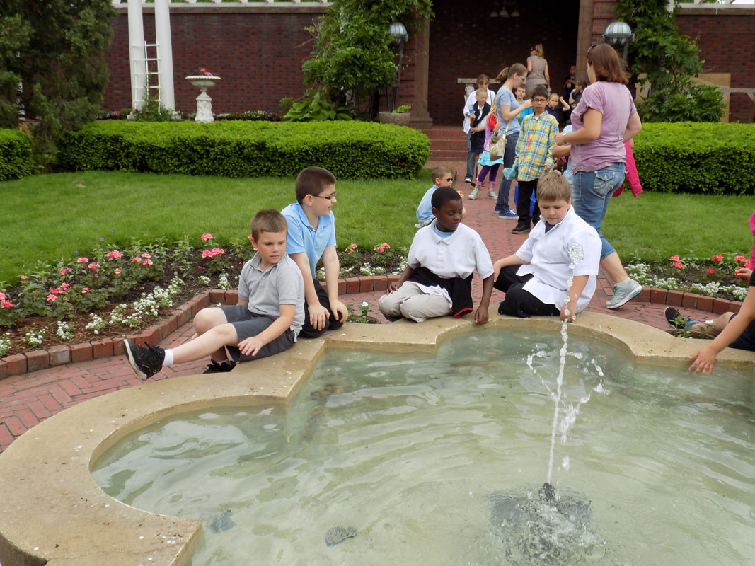 Kids-in-Garden-Barker-2015