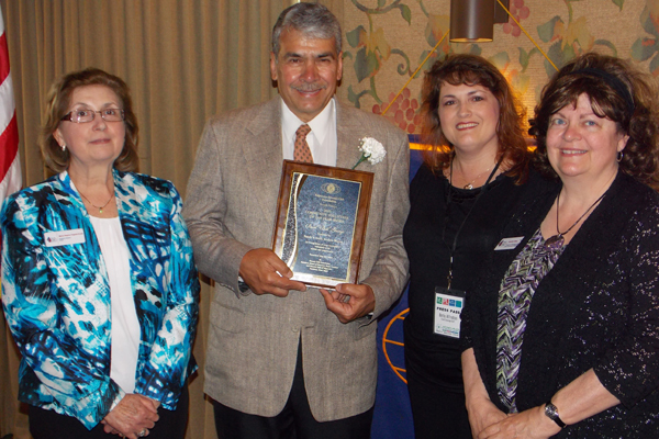 kiwanis-volunteer-award-2