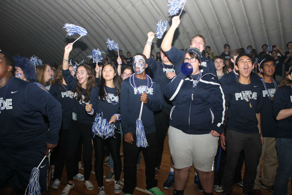 #1StudentNWI: School and Holiday Spirit at La Lumiere High School