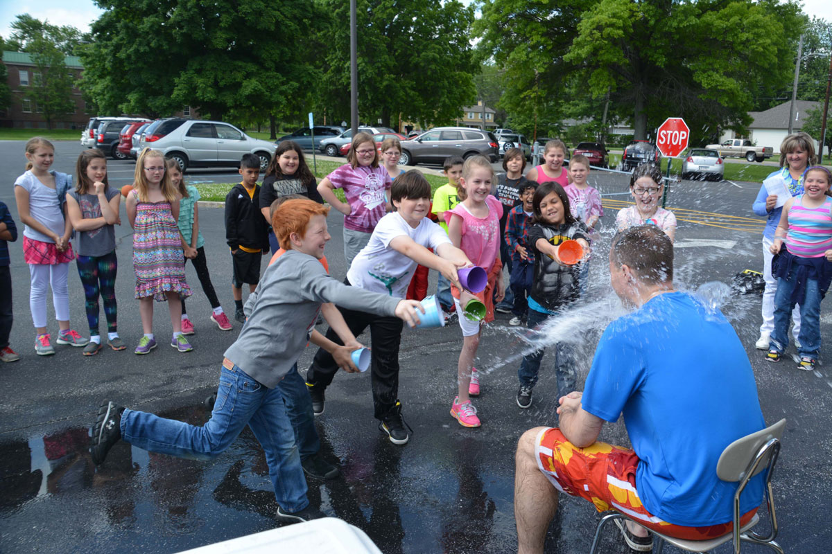 Bailly Elementary's Last Splash for Attendace