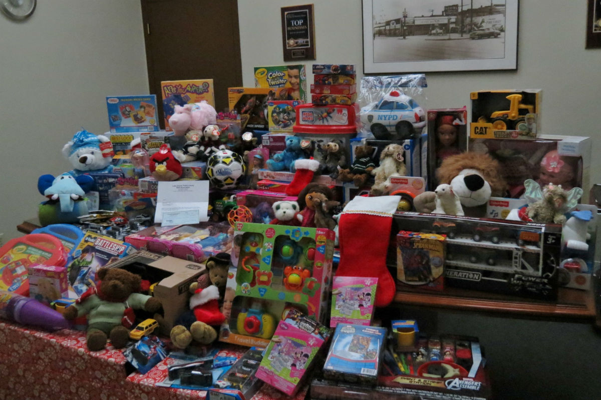 levin-tire-toys-for-tots-4