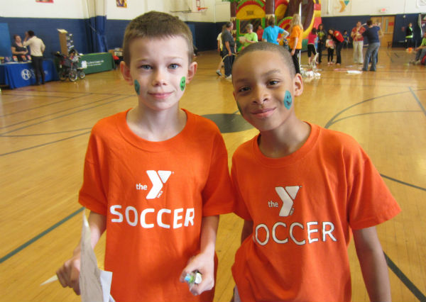 LP-YMCA-HEALHTY-KIDS-DAY-2013-1
