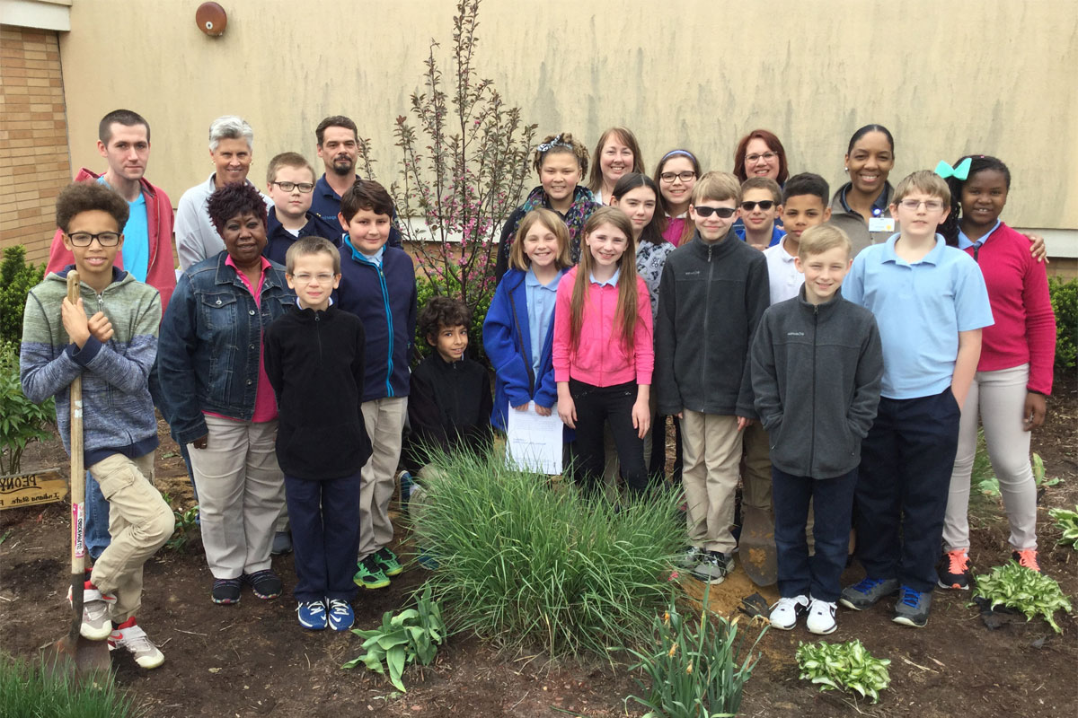 MCAS-Arbor-Day-with-The-Arbors-2017_03