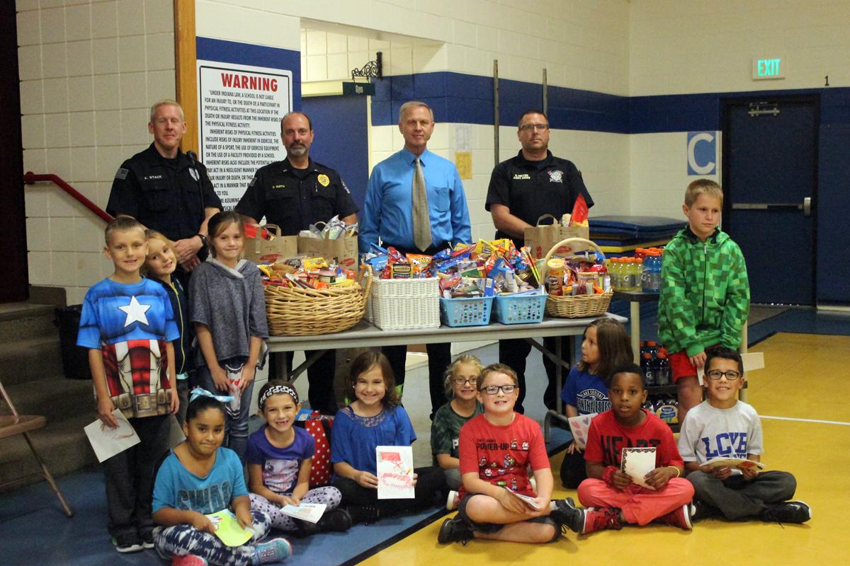 Peifer Elementary School Students Support Schererville City Employees