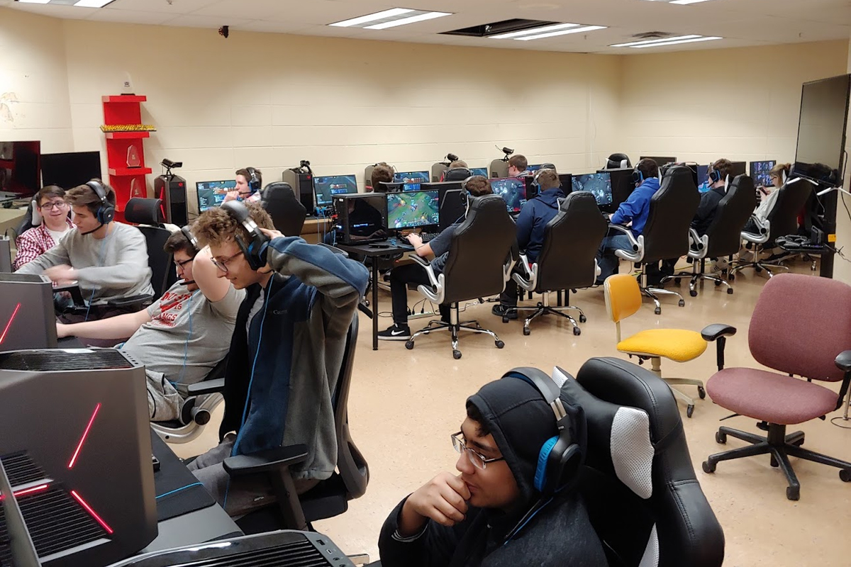 Munster Mustangs Esports Holds Grand Opening for Esports Arena