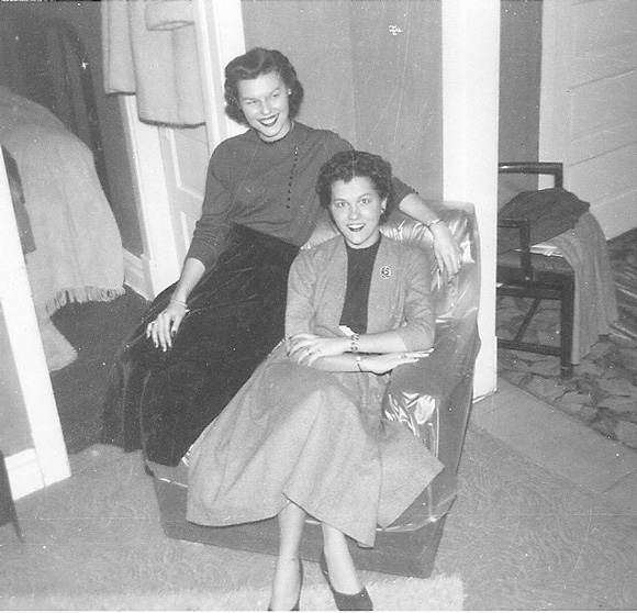 Nancy-and-Mary-Yakovatz-1952