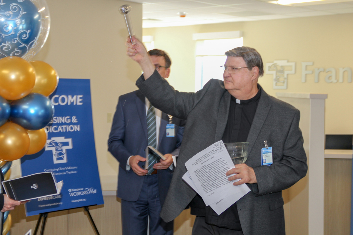 New-Franciscan-ExpressCare-location-gets-blessing-in-St-John-2019_02