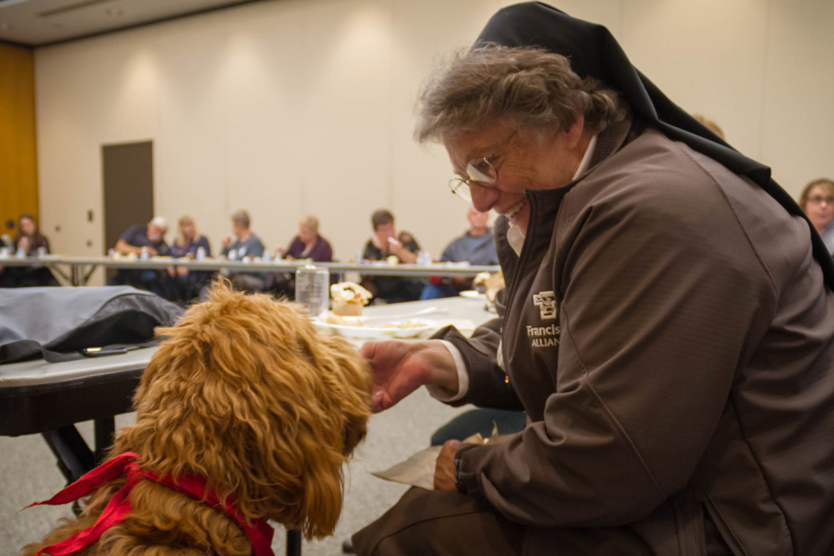 Pet-Therapy-Recognition-Luncheon-Honors-a-Growing-Pack-2018_03