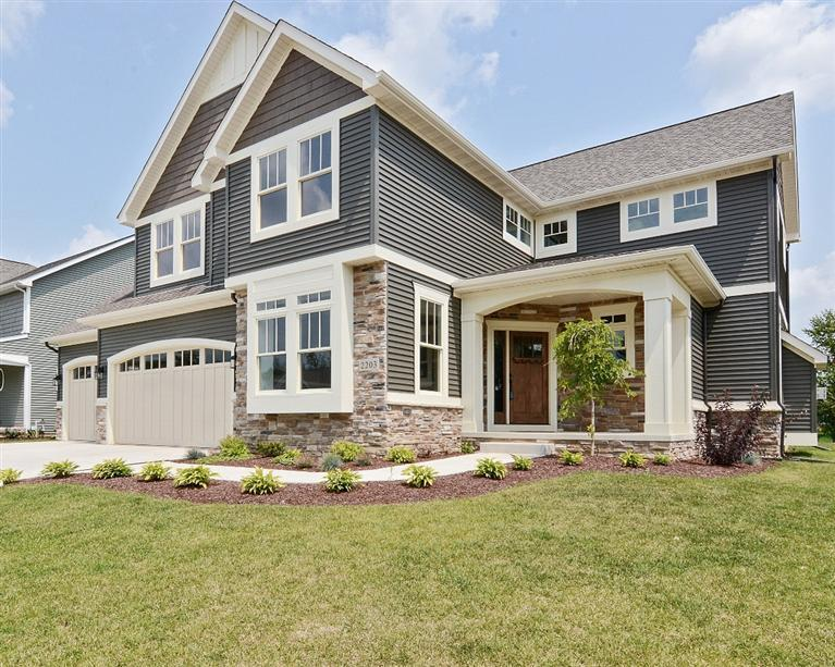 Realty Executives Premier Featured Listing: Craftsman Style 2 Story in Valparaiso