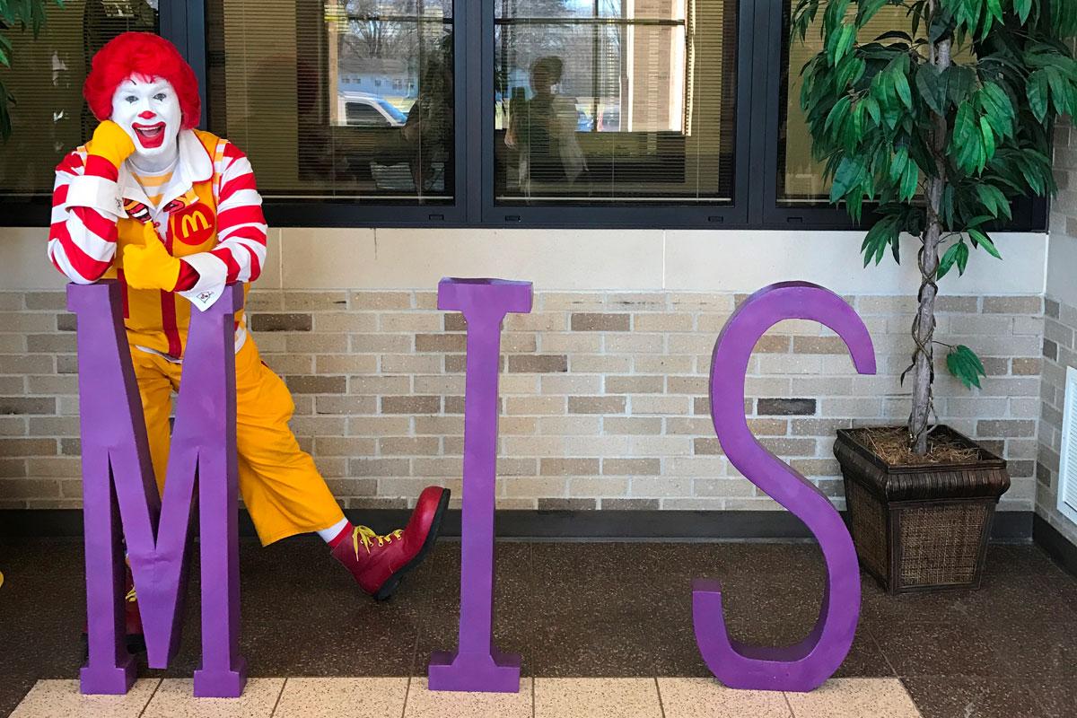 Ronald-McDonald-Surprises-Merrillville-Intermediate-School-2017_03