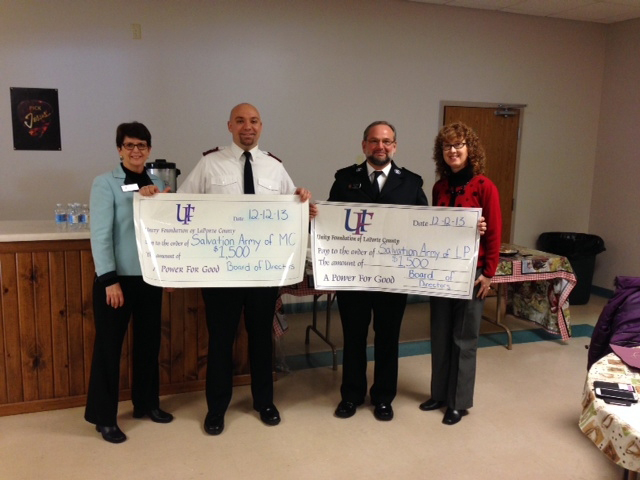 Salvation-Army-food-donation-12-2013