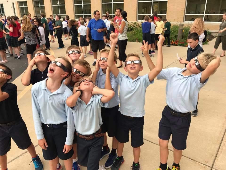 Seeing_the_Solar_Eclipse_at_Saint_Paul_C-1
