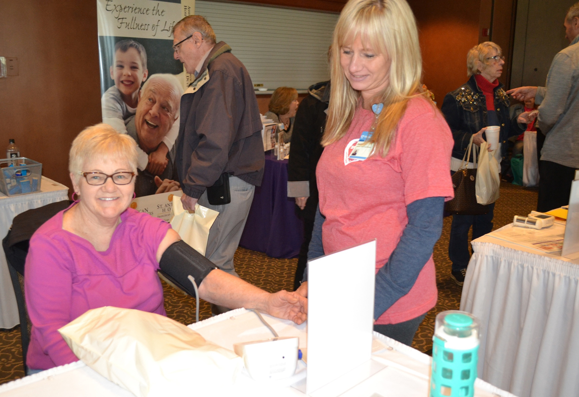 Seniors-Get-Screenings-Snacks-and-Vital-Information-at-Chesterton-Health-Fair_01