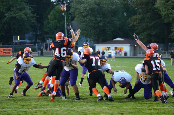 Slicers-Football-in-Action