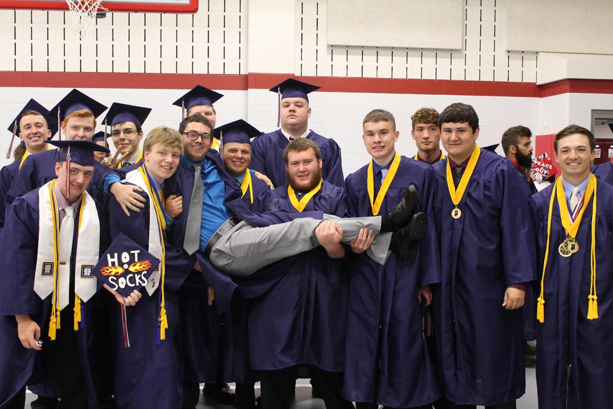 2017-graduation-south-central