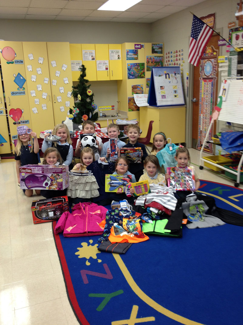 SPCS-Kindergarteners-Collect-for-Carmelite-Home