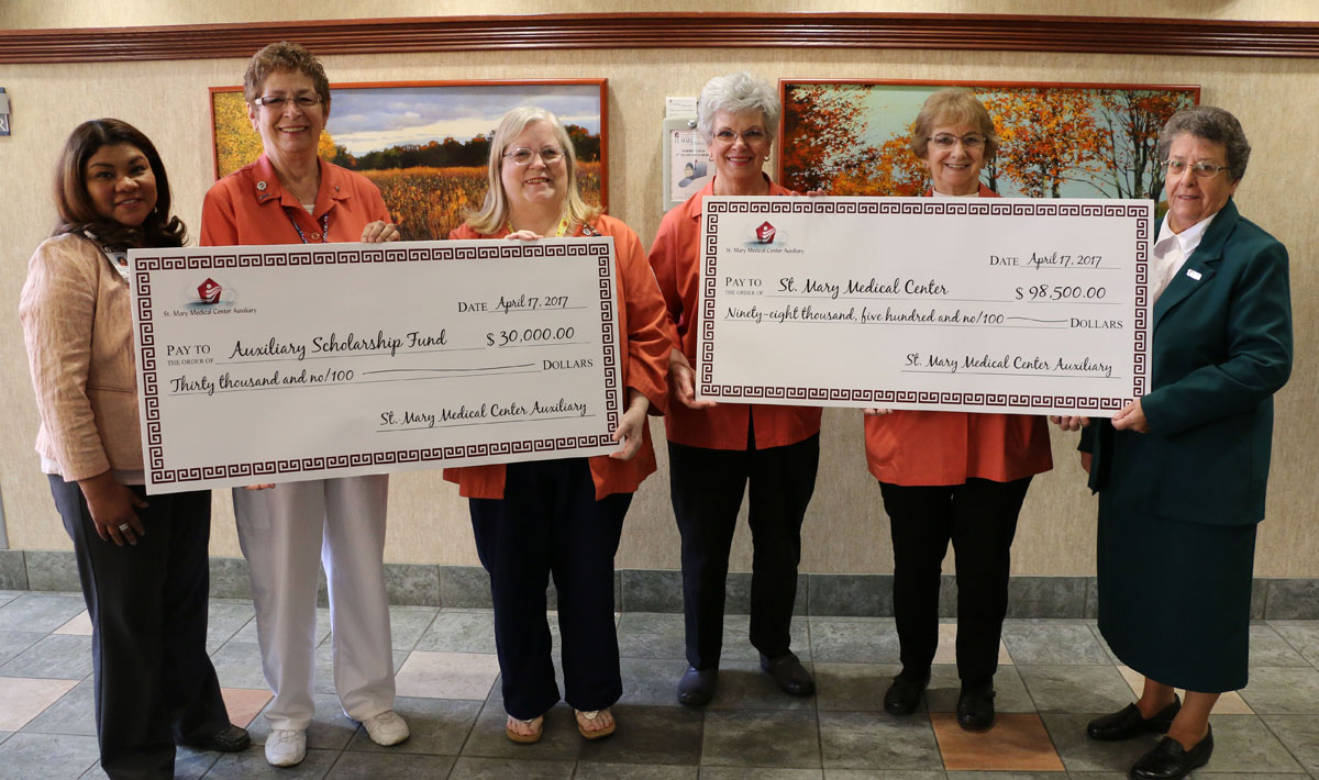 St. Mary Medical Center Honors Auxiliary Service at Annual Volunteer Awards Luncheon
