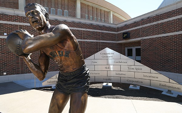 Statue-Honors-Legacy-of-Leadership-for-Purdue-Basketball-Coach-Alumni-Donor