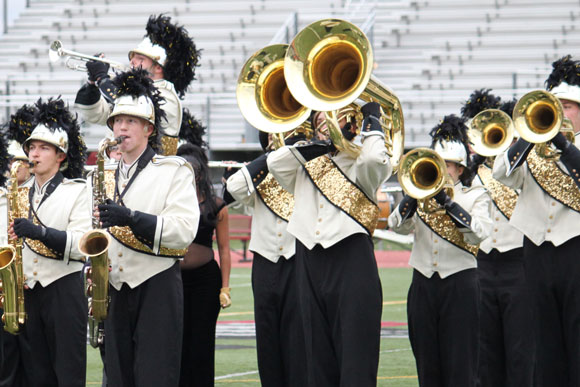 Trojan-Guard-sweeps-Illinois-competition