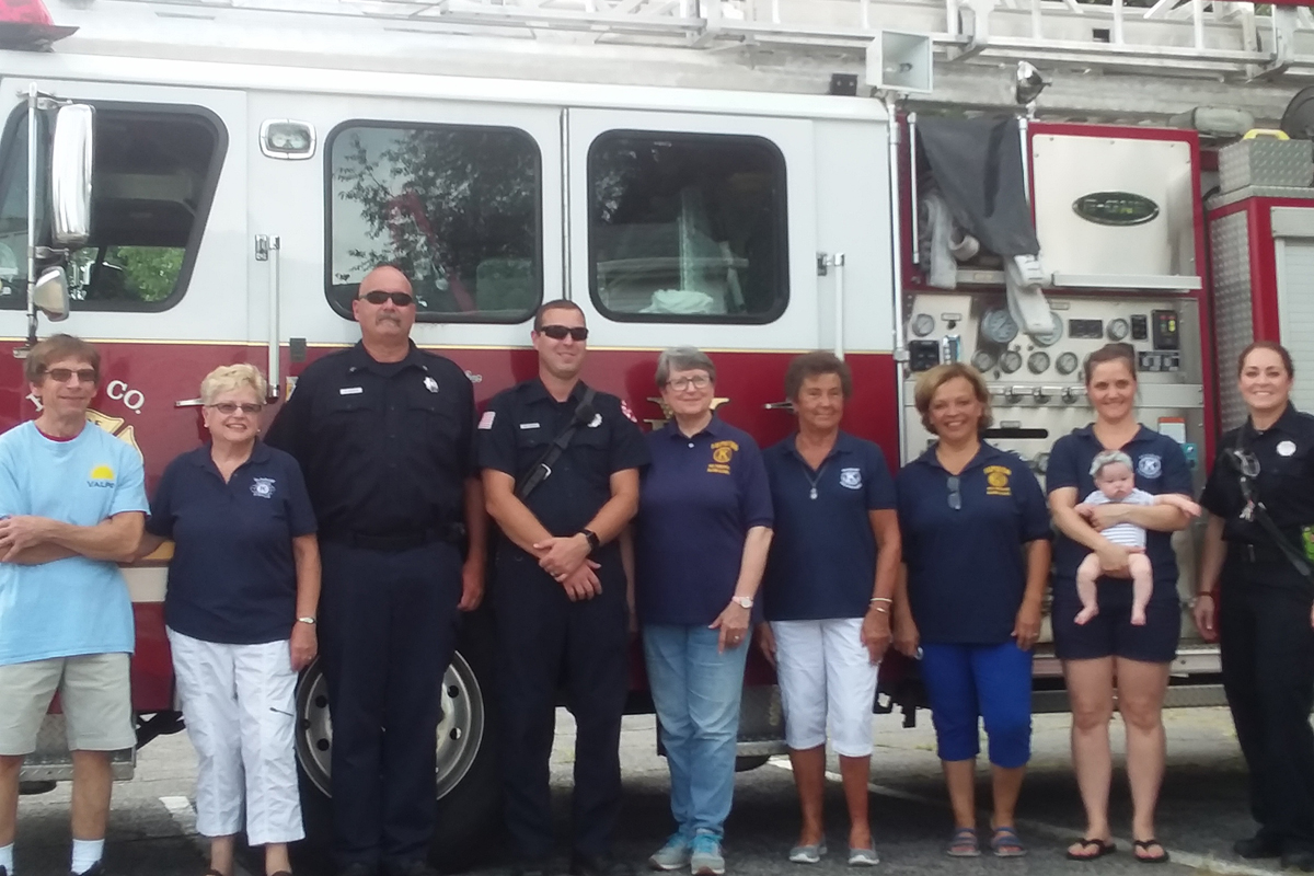Valparaiso-Firefighters-and-Sunrise-Kiwanis-Join-Together-for-a-Common-Good_02