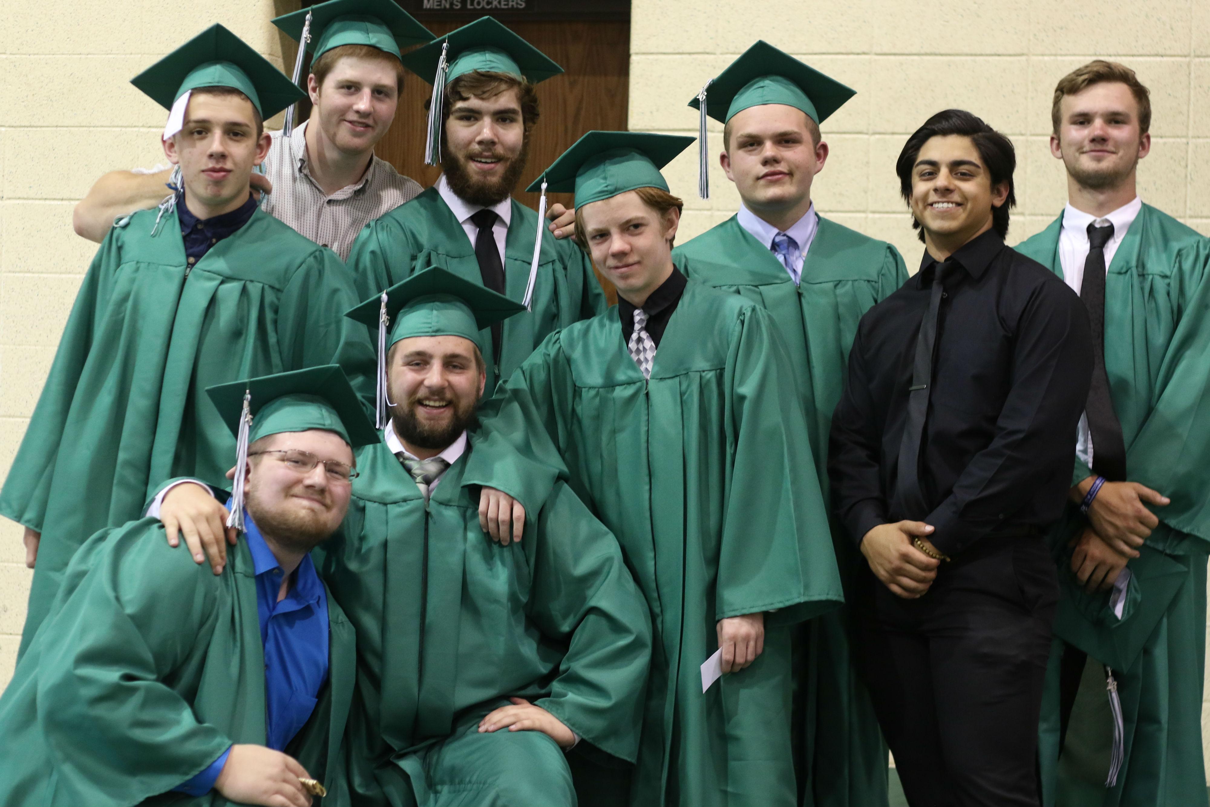 2016-graduation-valpo