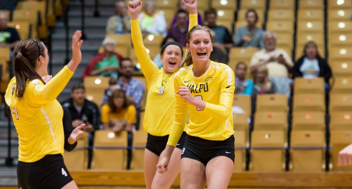 VU-Crusaders-Move-to-15-2-With-League-Win-Over-UIC
