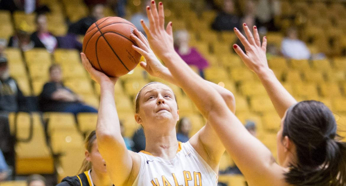 VU-Hamlet-Layup-at-Buzzer-Lifts-Valpo-to-Comeback-Victory-Over-Chicago-State