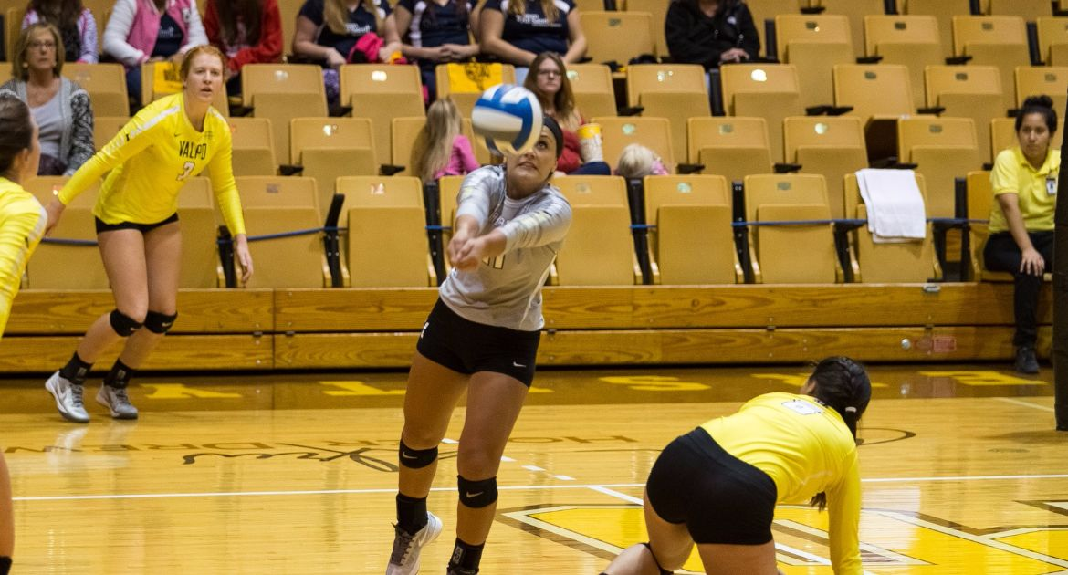 VU-Volleyball-Takes-Down-Fort-Wayne-Tuesday-Night