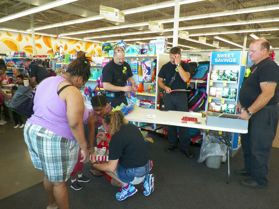 Walgreens-Sponsors-2016-Back-to-School-Day-for-Portage-Students-01