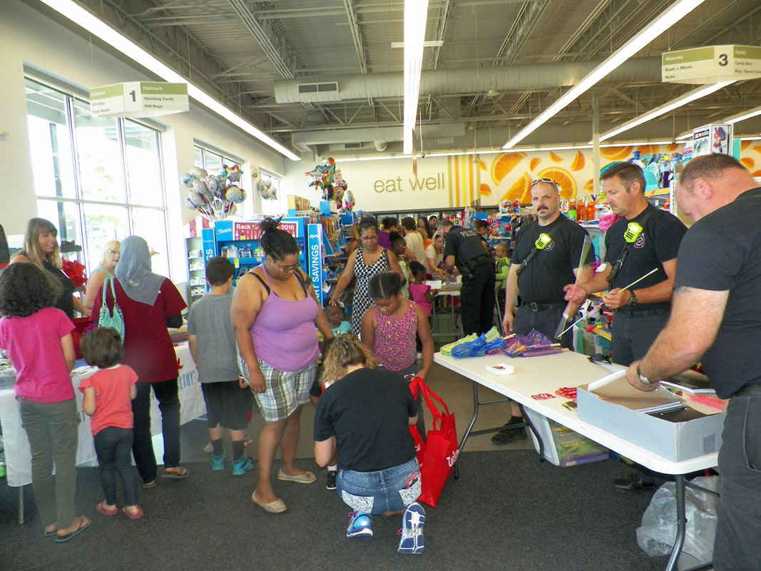 Walgreens-Sponsors-2016-Back-to-School-Day-for-Portage-Students-02