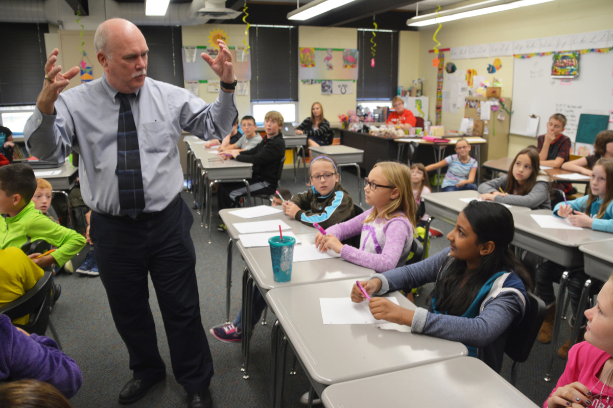 Author Encourages Westchester Intermediate Students to Write in 2015